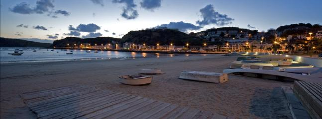 Sao Martinho do Porto in the evening