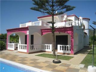 Moradia V3 em Algarve, Quarteira