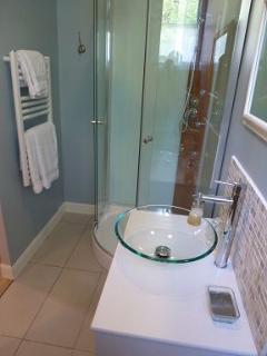Salle de douche/lavabo/WC privative
