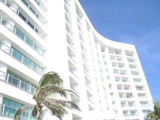 TIKAL PLAYA ACAPULCO DIAMANTE, Acapulco