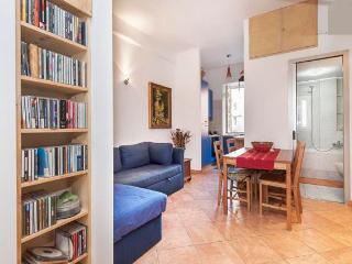 appartamento centrale e curato, vicino al metrò, Roma