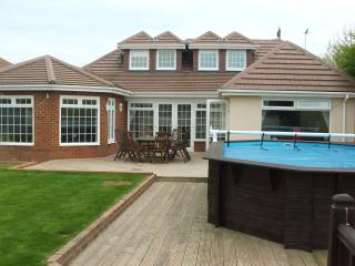 Peacehaven Palace - 5 Bedrooms with Swimming Pool