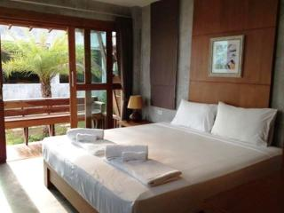 Palm Beach 3 Sea View Studio Apartments sleeps 6, Ko Phangan