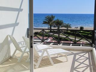 2 bedroom flat on the beach, Larnaka City
