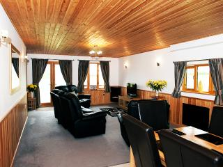 Lounge in Duncliffe Chalet