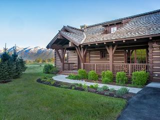 Eagle's Rest - THE Cabin with Teton Views at JH Golf and Tennis