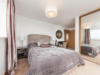 Master Bedroom with King Size Bed and en-suite