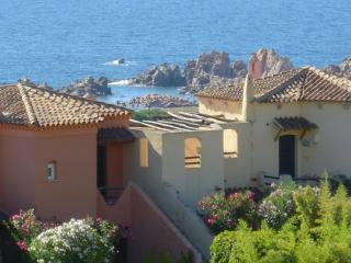 Appartamento vista mare con uso piscine e spiaggia, Costa Paradiso