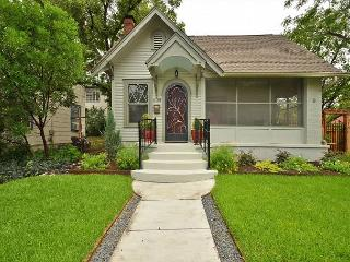 3BR/1.75BA Stylish Hyde Park House, Austin