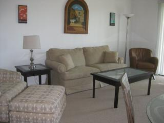 THREE BEDROOM CONDO ON NORTH NATOMA - 3CHAL