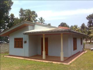 holiday home Udugampola