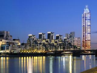 I Love London... Stay at St George Wharf (Zone 1)