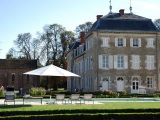 Chateau de Varennes, Pierre-de-Bresse