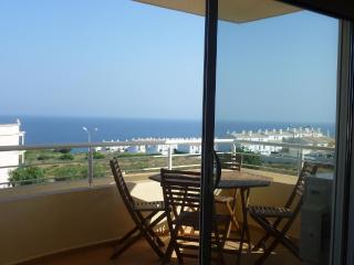 2 bedroom top floor apartment, Luz