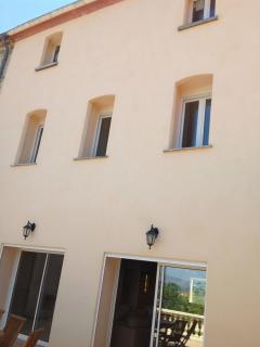 Back Side of the House - Facade arrière de la maison