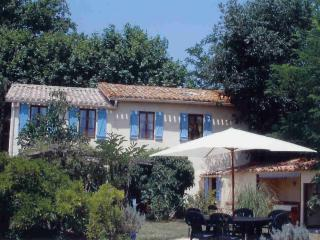 Les Glycines ( Four bed house,with private pool)