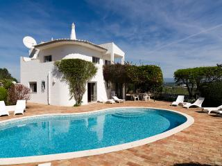 Casa do Miradouro - Peaceful Countryside Villa Heated Pool and WiFi near Town