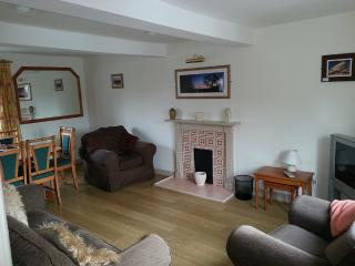 Dairy Cottage, Lounge