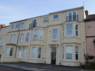 LUXURY SEA VIEW APARTMENT, WHITLEY BAY, Whitley Bay