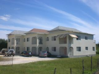 Holiday Home, 10 minutes from Savanna-la-Mar, Westmoreland Parish