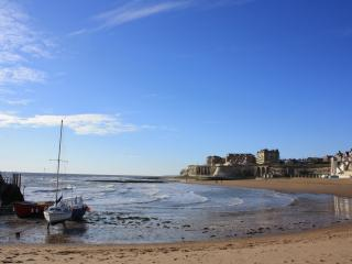 Boat House Broadstairs sleeps 4 by the sea