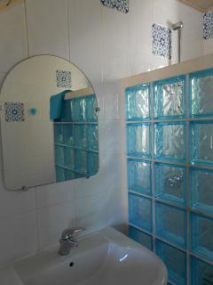 Dans la salle de bain... Douche à l'italienne ...