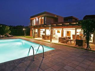 Villa con piscina privada-SV2