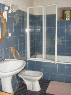 Modern fitted bathroom.