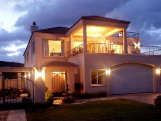 Spacious Luxury Holiday Villa, Waterfront with stunning views -  Plettenberg Bay