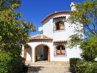 BEAUTIFUL VILLA WITH PRIVATE POOL NEAR THE BEACH, Els Poblets