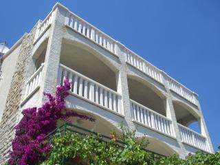 Villa Sany -Blue, Bol