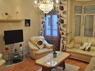SPACIOUS 140M2 FLAT IN GALATA, Estambul