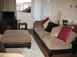 Lounge with balcony, overlooking pool, free wi-fi available in the apartment