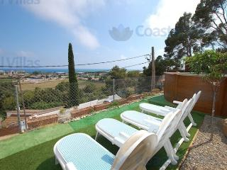 Villa in Santa Susanna, near beach with wifi
