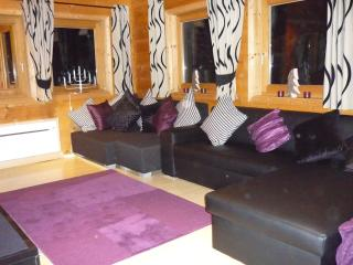 High quality accommodation in a premier log chalet with amazing views