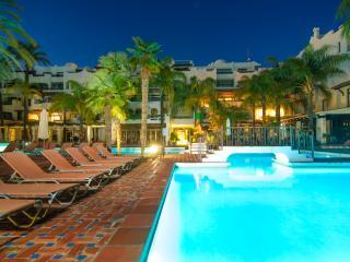 Central Puerto Banus apartment w/ terrace pool gym