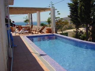 Chalet con piscina en Almeria,