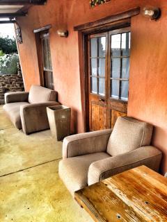 Lovely long mariusfront veranda