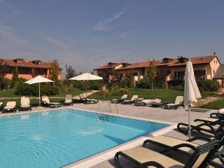 2 bedroom Apartment in Peschiera del Garda, Veneto, Italy : ref 5248594