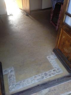 Downstairs Cottage: Floor detail