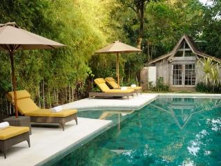 Villa Adagian - Romantic, Quiet, Family-Friendly, Kerobokan