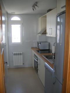 Kitchen wiith all apliances.