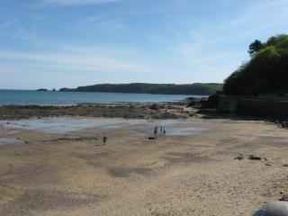 Wiseman's Bridge Beach looking over to Saundersfoot