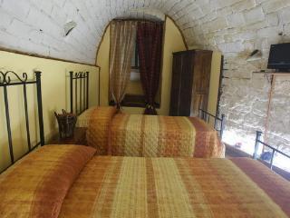 Seconda camera da letto matrimoniale con TV ed aria condizionata