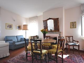 PERSEO - Luxury Flat In Oltrarno Area, Florence