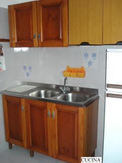 Cucina con uscita sul terrazzo