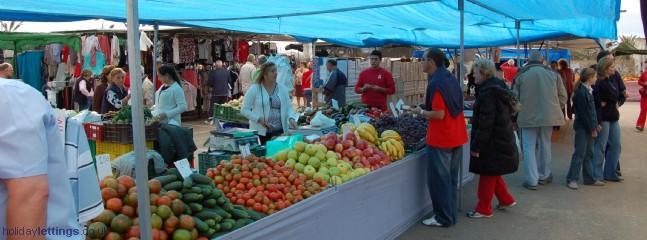 San Pedro Monday Market