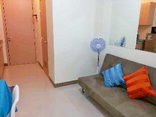 Cozy 1BR Condo Unit near NAIA1 w/ WIFI+Cable