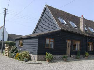The Coach House, in a lovely location, but short drive to amenities, Chesham