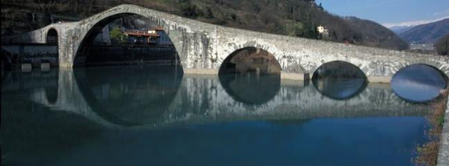 The area: the Devil's bridge in Borgo a Mozzano.